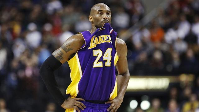 NBA - Lakers overcome Nets without Howard, World Peace
