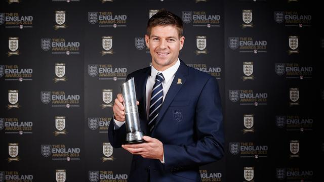 Football - Rodgers believes in Gerrard longevity