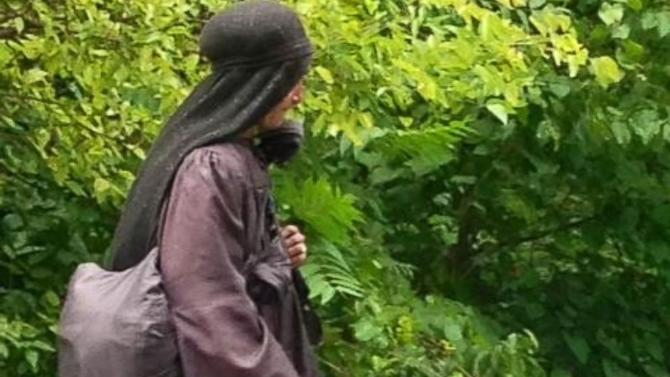 The Mystery of the Roaming 'Woman in Black' Revealed