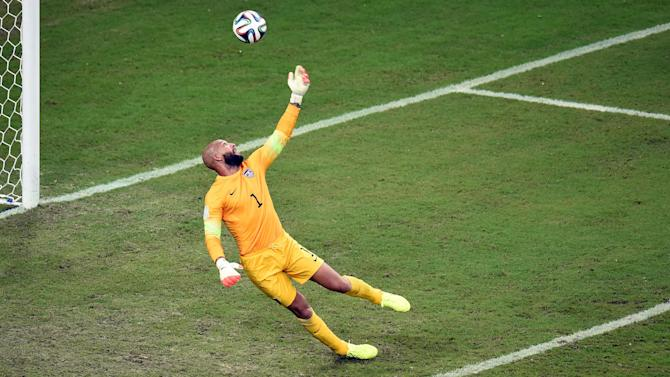 Concacaf Football - US keeper Howard to take year off from international duty