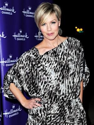 """Jennie Garth Opens Up About Peter Facinelli Divorce: """"It's the Right Thing"""""""
