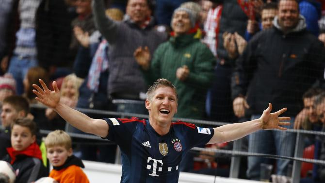 Bayern Munich's Bastian Schweinsteiger celebrates his goal during their German first division Bundesliga soccer match against FSV Mainz 05 in Mainz