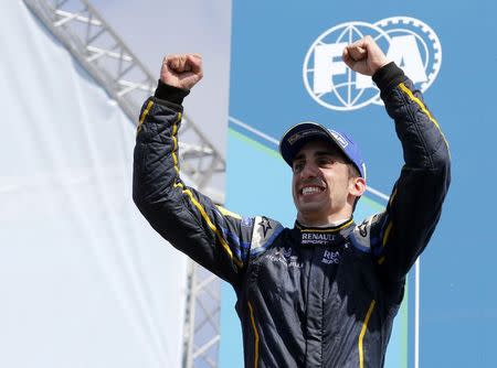 Red Bull retain Buemi as F1 reserve driver