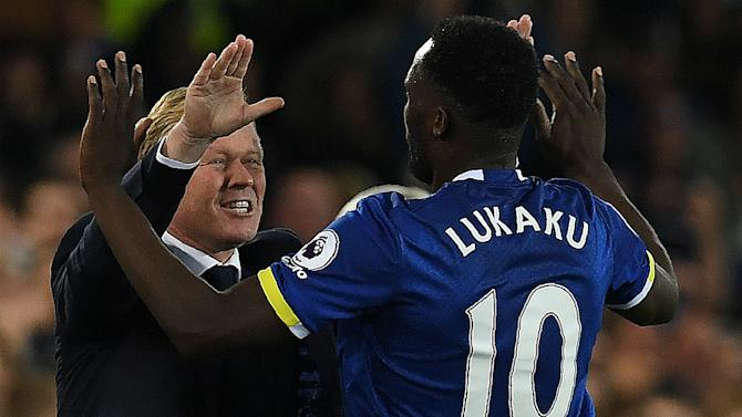 Koeman calls for greater Lukaku support