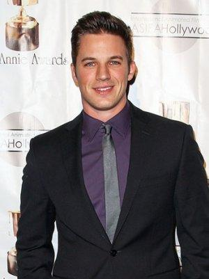 '90210's' Matt Lanter to Co-Star in CW's 'Oxygen'