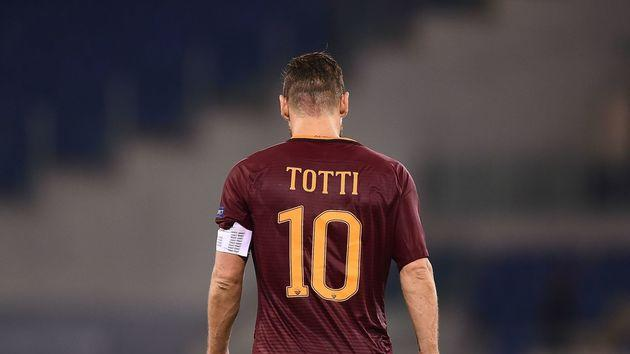 VIDEO: Francesco Totti Pulls Out Sublime Assist for Teammate Alessandro Florenzi to Score