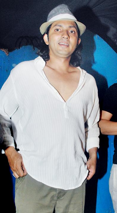 Stars comment on Akki's new look