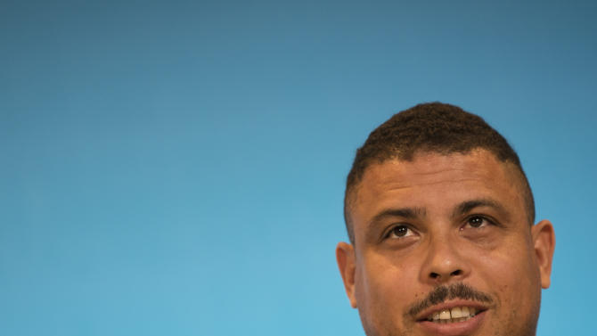 Ronaldo: Pressure 'huge' on Brazil World Cup team