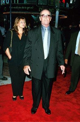 Premiere: James Garner at the Mann's Village Theatre premiere of Warner Brothers' Space Cowboys - 8/1/2000