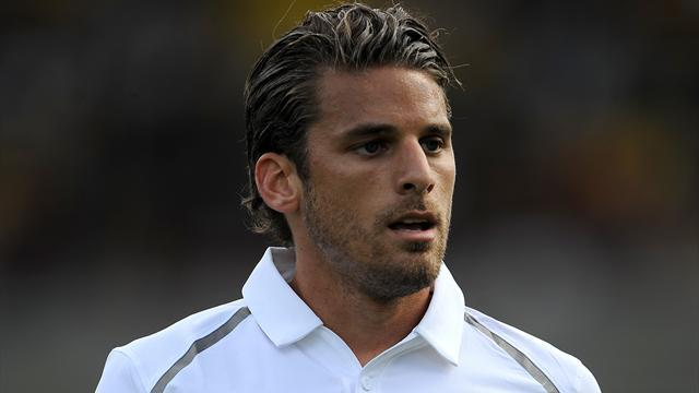 Liga - Malaga join chase to sign David Bentley