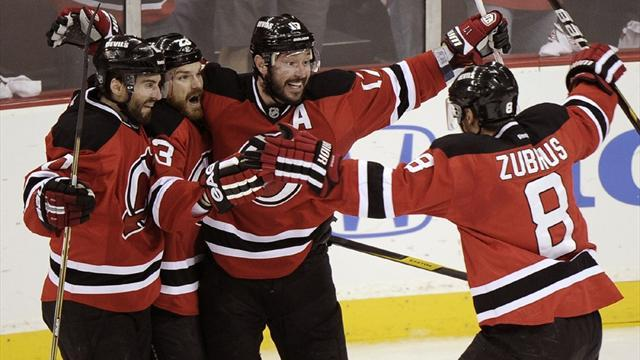 Ice Hockey - Devils beat Penguins for second day running