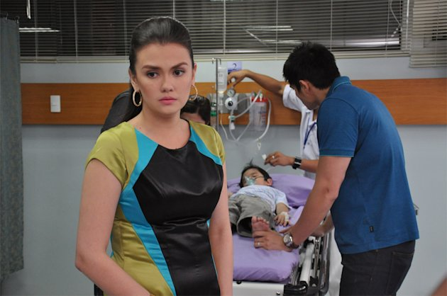 "MMFF 2012: Star Cinema's ""One More Try"" - Angelica Panganiban and Dingdong Dantes"