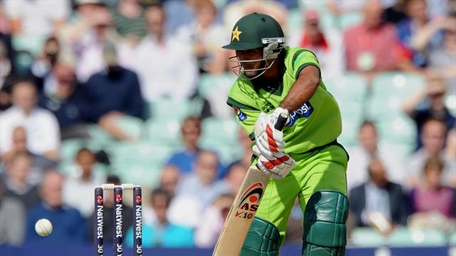 Cricket - Younus and Shafiq show tons of courage