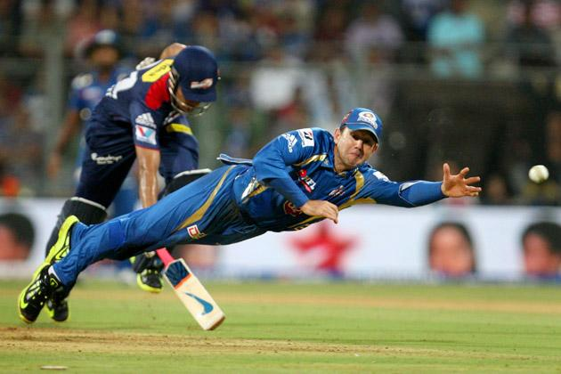 Mumbai Indians captain Ricky Ponting is about take a spectacular catch on the 1st ball of the innings of Unmukt Chand during the match between Mumbai Indians vs Delhi Daredevils Played at Wankhede Sta