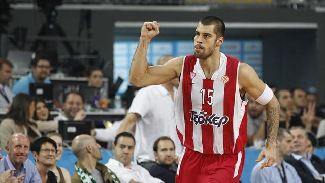 Basketball - Big guns edge ahead in Euroleague play-offs
