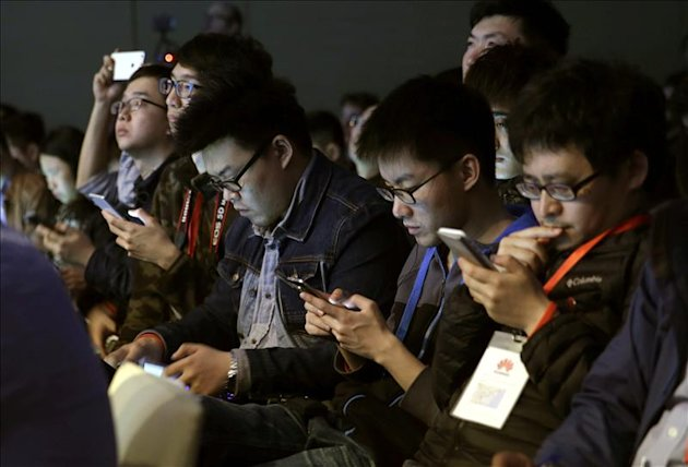 Un grupo de periodistas en el Mobile World Congress (MWC). EFE