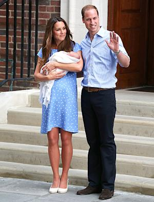 Kate Middleton Looks Gorgeous, Wears Blue Jenny Packham Dress One Day After Giving Birth