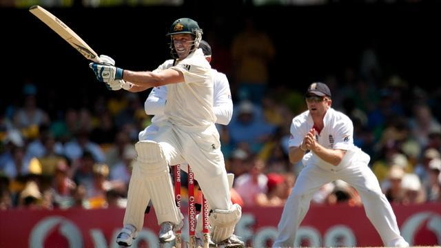 Cricket - Hussey bows out with victory