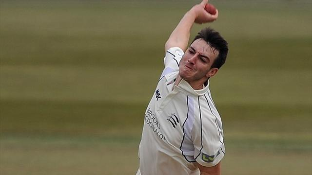 County - Roland-Jones takes hat-trick as Middlesex thrash Derbyshire
