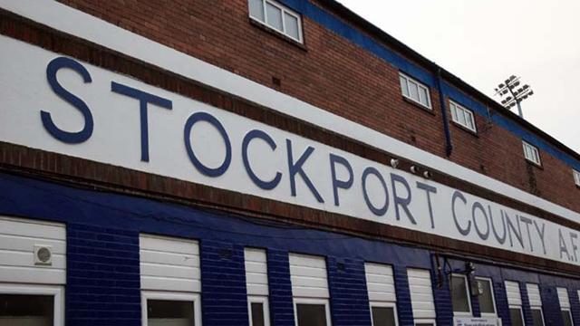 Football - Gosset staying with Stockport