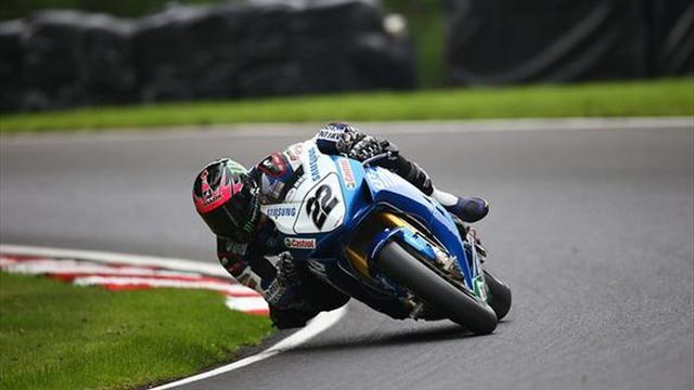 Superbikes - Cadwell BSB: Lowes dominates qualifying to clinch pole position
