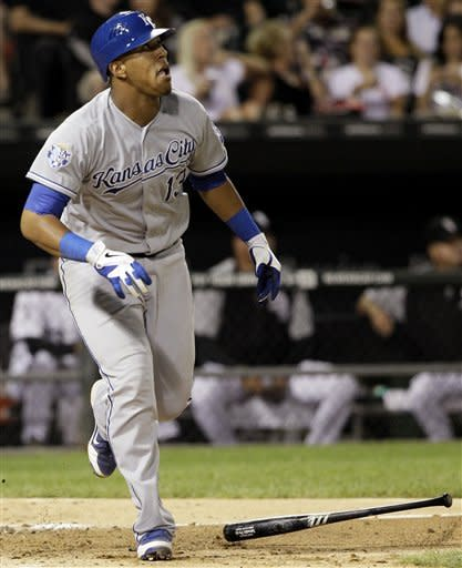 Guthrie, Royals best White Sox 2-1