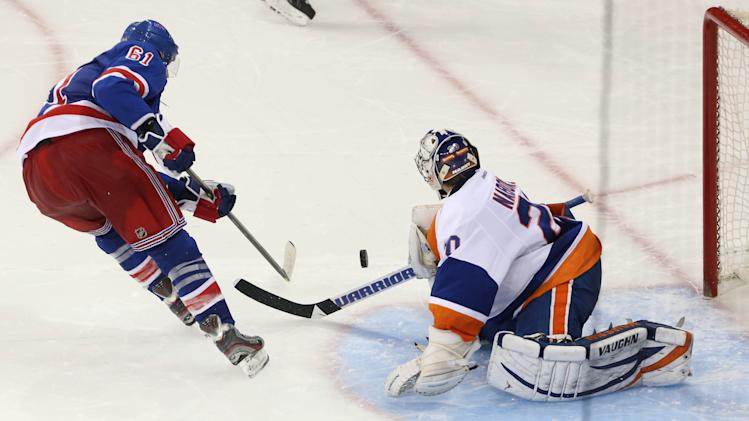 NHL: New York Islanders at New York Rangers