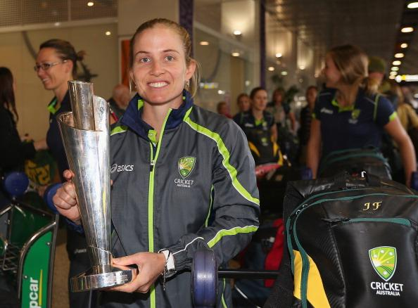 Southern Stars Arrive In Melbourne