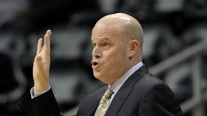 Charlotte Bobcats head coach Steve Clifford calls a play against the Atlanta Hawks in the first half of their NBA basketball game on Saturday, Dec. 28, 2013, in Atlanta