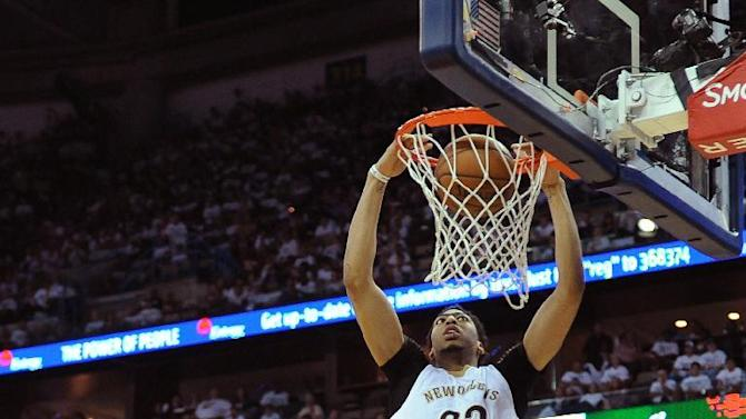 AP source: Anthony Davis, Pelicans agree to max extension