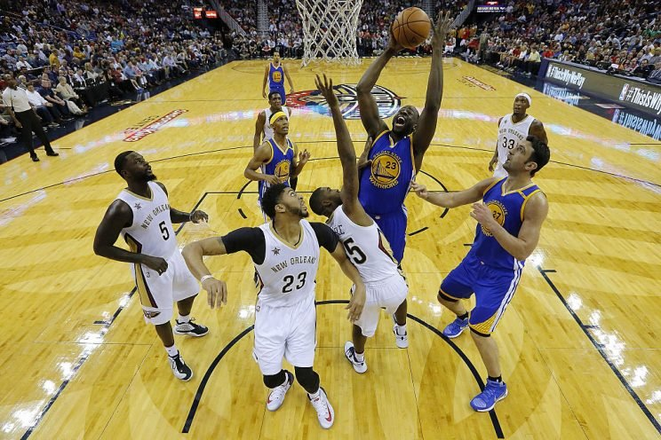 Draymond Green highlights this week's look at risers and fallers in fantasy hoops (Getty Images)