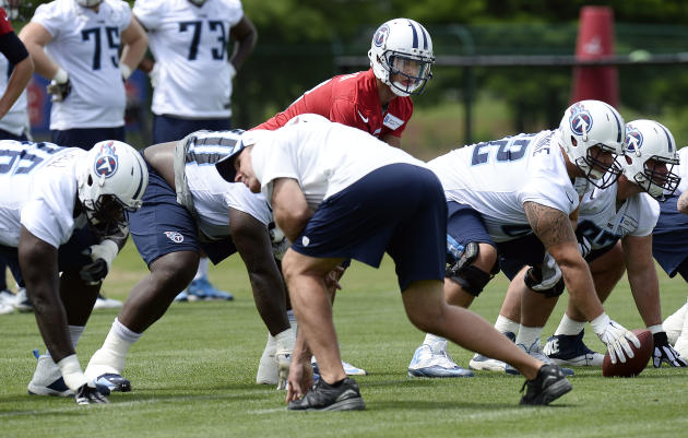 Pressure on Titans' offensive linemen to protect rookie QB