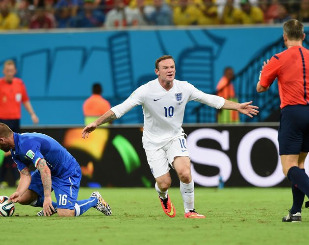 Time for England to drop Wayne Rooney after plot to unseat Italy in jungle joust fails
