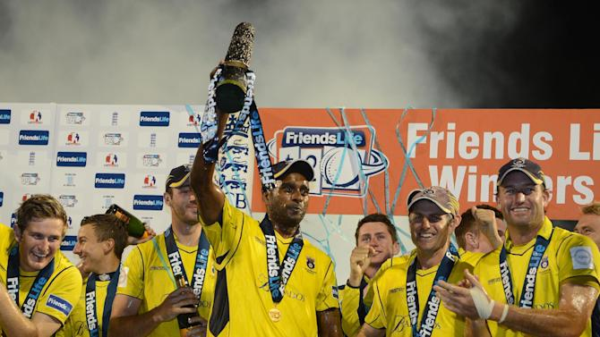 Dimitri Mascarenhas played in Hampshire's semi-final and the final despite being injured