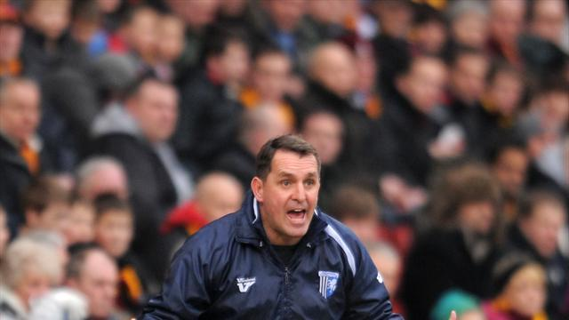 Football - Allen lauds Gills achievement