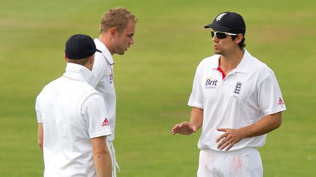 Cricket - England bowlers struggle in warm-up loss