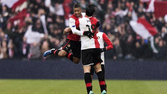 Football - Feyenoord relief as Pelle ends losing streak