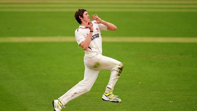 Cricket - Overton keeps Middlesex in check