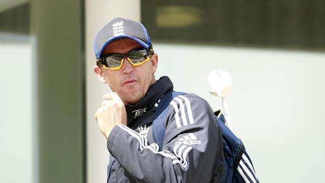 Cricket - England coach Flower looking past 'sloppy' defeat