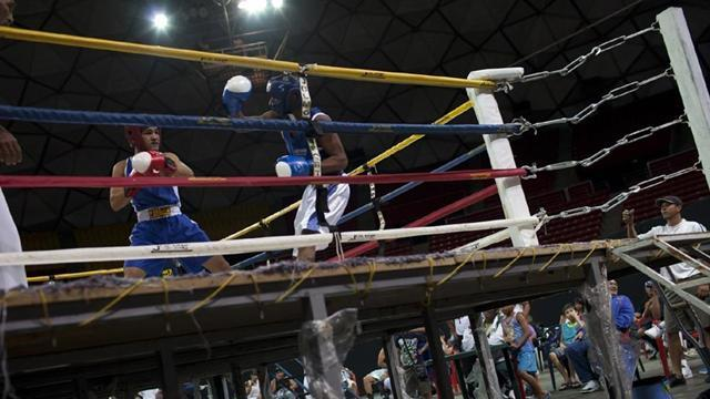 Boxing - Fowler one win away from guaranteed medal at worlds