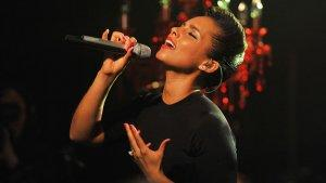Alicia Keys to Sing Super Bowl National Anthem (Report)
