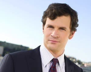 Exclusive: Tom Everett Scott Cast as Heroine's Doctor Dad in NBC's Bloodline Pilot