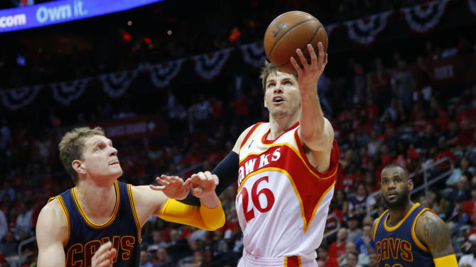 Hawks lose Korver to right ankle sprain against Cavs