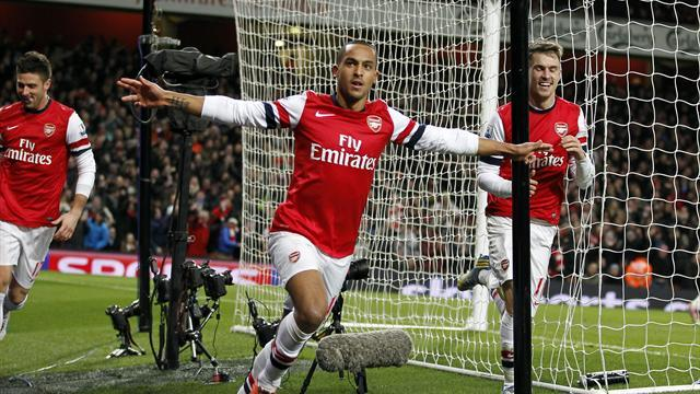 Premier League - Walcott denies Liverpool in breathless encounter