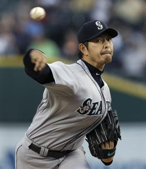 Iwakuma shuts down Tigers to help Mariners win 8-0