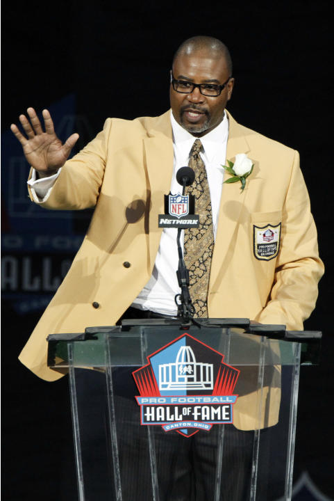 Former NFL player Chris Doleman speaks during his induction at the Pro Football Hall of Fame, Saturday, Aug. 4, 2012, in Canton, Ohio. (AP Photo/Tom E. Puskar)