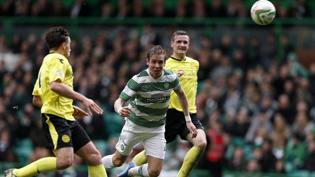 Scottish Football - Celtic on brink of title glory after dismissing St Mirren