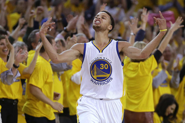 Foto de archivo del 13 de mayo de 2015 en la que Stephen Curry de los Warriors de Golden State celebra tras anotar contra los Grizzlies de Memphis en un partido por los playoffs de la NBA. (AP Photo/B