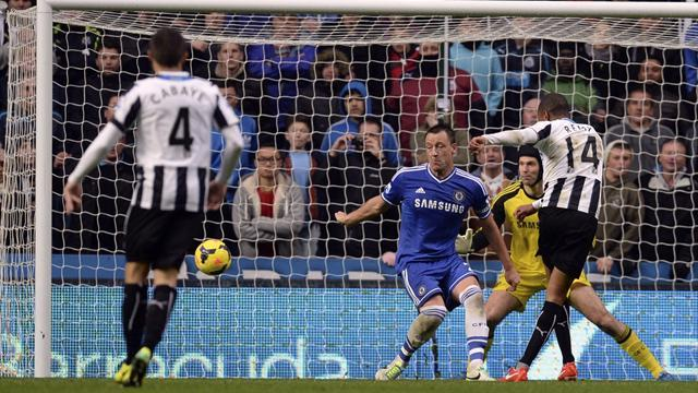 Premier League - Remy shines as Newcastle deny Chelsea top spot