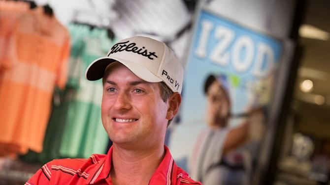 Team Izod's Webb Simpson Takes Charity Golf Shot in Charlotte, NC